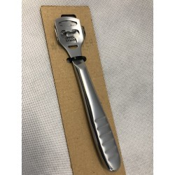 Corn cutter in stainless steel for the hands